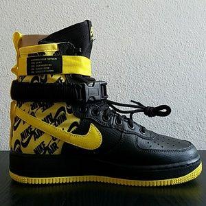 Nike SF AF1 Black/Yellow Nike AT 1955 001 New